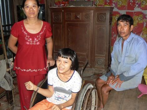 Gia đình bệnh tật ngặt nghèo.             ẢNH: TÙNG HUYÊN