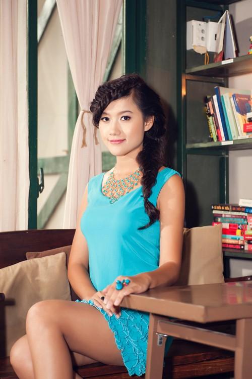 Người đẹp Tây Đô Kim Ngọc khoe chân dài nuột nà - ảnh 8