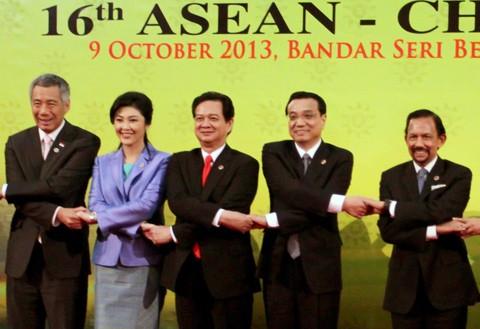 Thủ tướng Nguyễn Tấn Dũng nhấn mạnh hòa bình, ổn định ở Biển Đông - ảnh 4