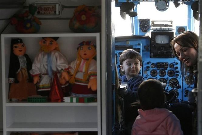 Biến máy bay thành lớp học mẫu giáo - ảnh 6