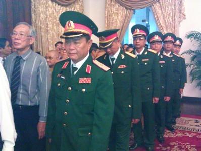 Hàng nghìn người ở TPHCM viếng Đại tướng - ảnh 10