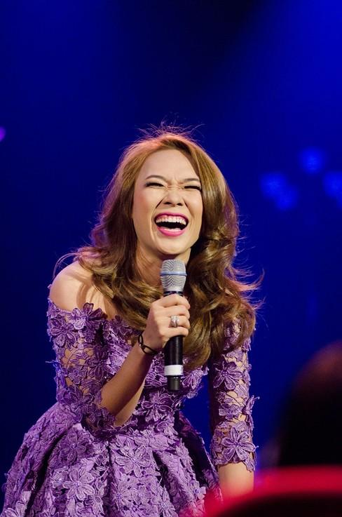 Thắng đề cử EMA Đông Nam Á, Mỹ Tâm hát cực 'sung' - ảnh 2