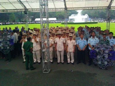 Hàng nghìn người ở TPHCM viếng Đại tướng - ảnh 7