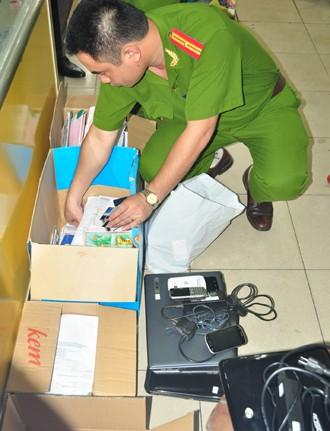 Nhiều tài liệu có liên quan bị cảnh sát thu giữ