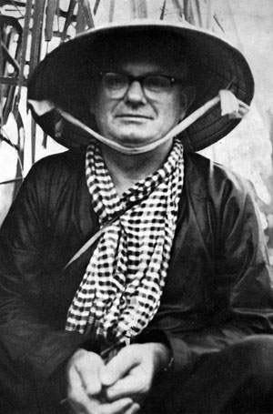 Wilfred Burchett tại miền Nam Việt Nam khoảng 1963-1964. Nguồn ảnh: theage.com.au