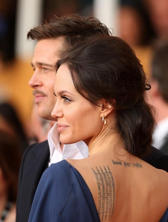 Angelina Jolie quyến rũ với hình xăm mới - ảnh 4