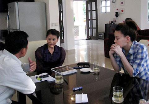Hà Hồ và mẹ định kiện ngay khi bài báo được đăng tải thông tin