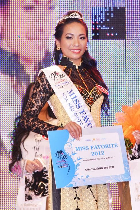 Thùy Linh đăng quang Hoa hậu người Việt tại Séc - ảnh 2