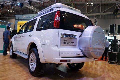Ford Everest mới đã cập nhật phiên bản mới