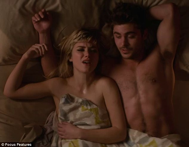 'Trai ngoan' Zac Efron bất ngờ khỏa thân trong phim mới - ảnh 4