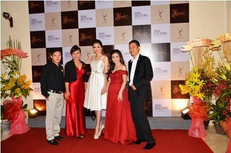 Diễm Hương xuất hiện với chiếc váy trắng xinh đẹp và tinh tế