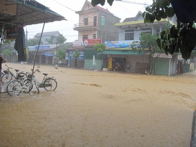 Hà Tĩnh: Lũ nhấn chìm 3 huyện miền núi - ảnh 8