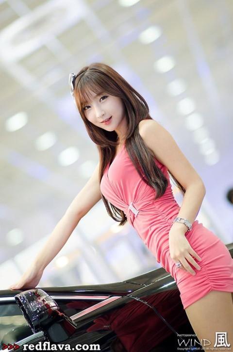 Sắc hồng quyến rũ tại triển lãm xế hộp Hàn Quốc - ảnh 16
