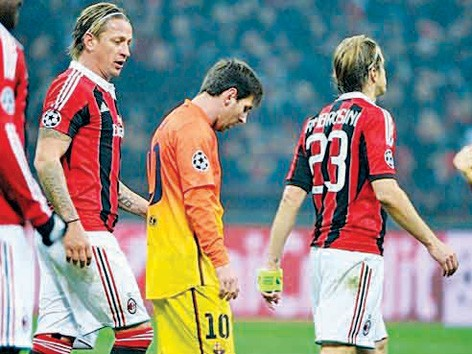 Messi từng thất bại tại San Siro             mùa trước. Ảnh: Getty Imgaes
