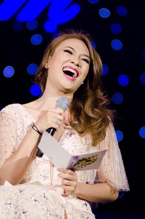 Thắng đề cử EMA Đông Nam Á, Mỹ Tâm hát cực 'sung' - ảnh 5