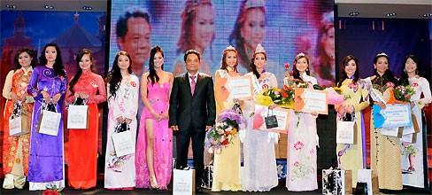Thùy Linh đăng quang Hoa hậu người Việt tại Séc - ảnh 14