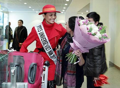 Miss Universe: Trương Thị May đã có mặt ở Moskva - ảnh 7