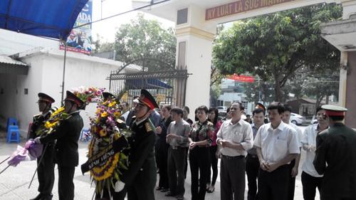 Lễ viếng Đại tướng Võ Nguyên Giáp tại Ban chỉ huy Quân sự TP Hà Tĩnh. Ảnh: Minh Thùy