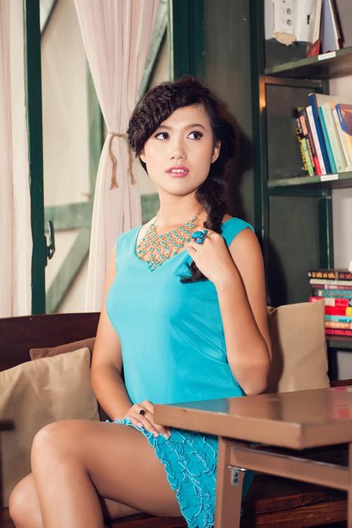 Người đẹp Tây Đô Kim Ngọc khoe chân dài nuột nà - ảnh 7