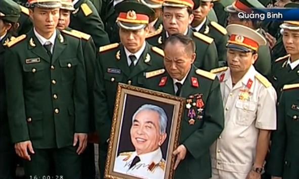 Đại tướng Võ Nguyên Giáp đã yên nghỉ trong lòng đất Mẹ - ảnh 2