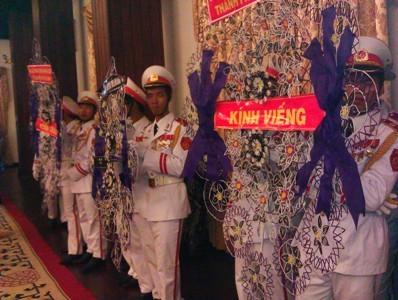 Hàng nghìn người ở TPHCM viếng Đại tướng - ảnh 11