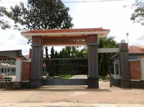 Trường THPT Dân tộc nội trú tỉnh có 29 em dự thi HSG tỉnh Bình Phước năm 2013, có 1 em bị điểm 0 môn tin học