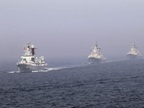 Tàu hộ vê tên lửa Trung Quốc trong vùng nước Senkaky