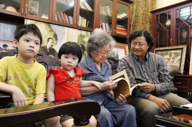 Giây phút hạnh phúc của tướng Võ Nguyên Giáp bên gia đình - ảnh 4
