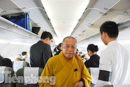 Nhà Sư trên chuyến bay đưa tiễn Đại tướng
