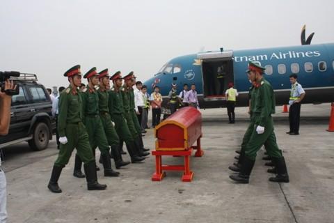 Diễn tập chuyển linh cữu Đại tướng lên máy bay - ảnh 6