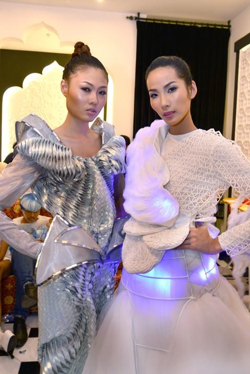 Mai Giang, Hoàng Thùy
