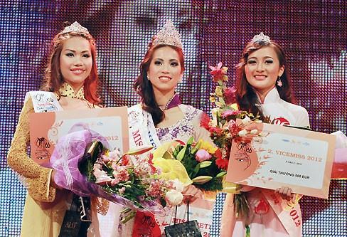 Thùy Linh đăng quang Hoa hậu người Việt tại Séc - ảnh 8