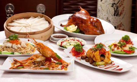 Bữa tối quá thịnh soạn dễ mang đến nhiều bệnh tật