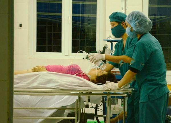 Cấp cứu nạn nhân tại Bệnh viện Đa khoa huyện Bảo Yên