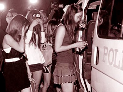 Trong số các cô gái bán dâm bị Cảnh sát Malaysia bắt giữ kể trên, có những nạn nhân người Việt Nam bị lừa bán sang