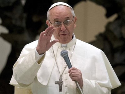 Giáo hoàng Francis có thể gặp nguy vì nỗ lực làm trong sạch Giáo hội.             Tranh: Huffington Post