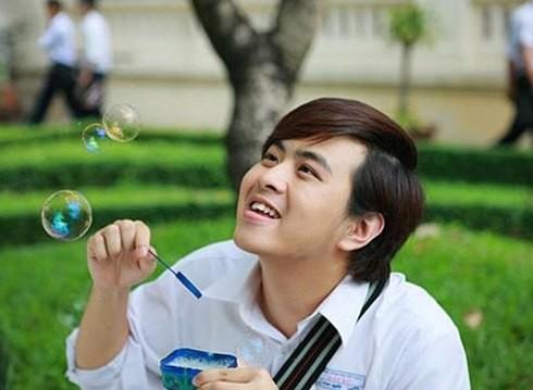 Năm 2010, anh tham gia dự án phim Tết 2011