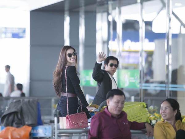Khánh My gây chú ý ở sân bay với chân dài thẳng tắp - ảnh 9