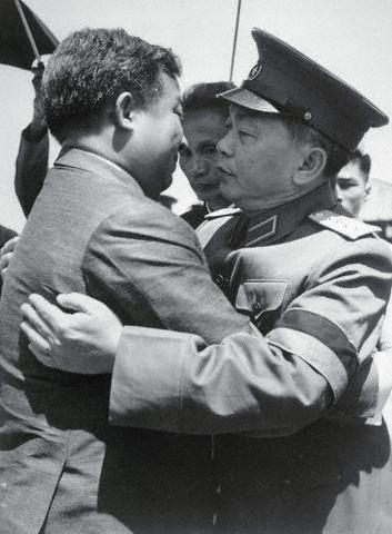 10 bức ảnh đẹp ấn tượng của Đại tướng Võ Nguyên Giáp - ảnh 5