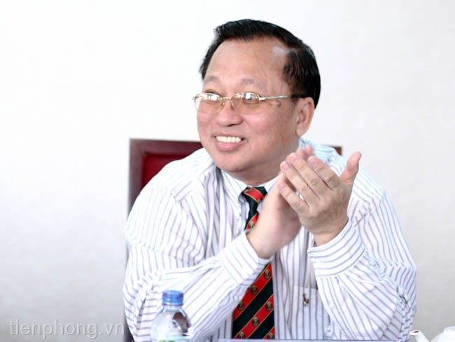 GS.TS Hà Tôn Vinh