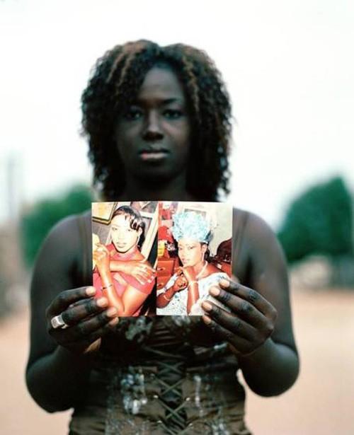 Người châu Phi đang cuồng tắm trắng - ảnh 2