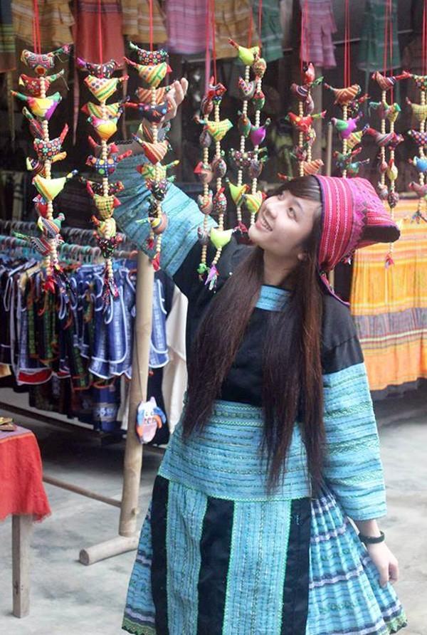 Cô cho biết mình sinh ra và lớn lên ở Tuyên Quang nhưng không phải là người dân tộc H'Mông. Trong chuyến đi thực tế do trường tổ chức, Ánh và các bạn đã có dịp hóa thân thành con gái H'Mông. Chuyến đi đã để lại nhiều kỷ niệm đẹp về thời tiết, con người vùng núi Mai Châu