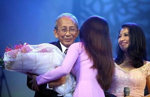 Nhạc sĩ Nguyễn Ánh 9 trong chương trình Tình khúc vượt thời gian - Ảnh: Đào Ngọc Thạch