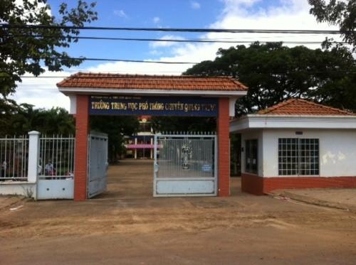 Trường THPT chuyên Quang Trung có 123 học sinh dự thi HSG tỉnh Bình Phước, có 3 em dưới 10 theo thang chấm 20 điểm.