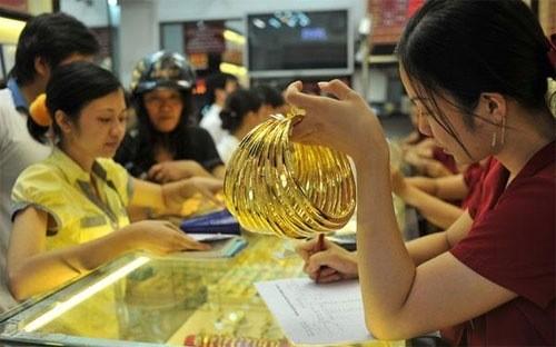 Theo Nghị định 24, Ngân hàng Nhà nước là cơ quan độc quyền xuất nhập khẩu vàng nguyên liệu
