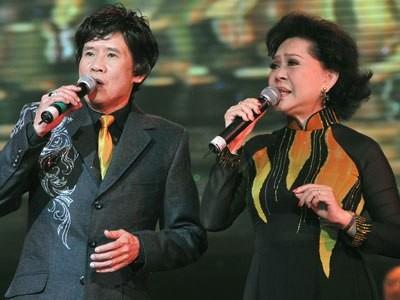 Tuấn Vũ và Giao Linh góp mặt trong liveshow của Quang Lê tại TP HCM tháng 4-2011. Ảnh: Lý Võ Phú Hưng