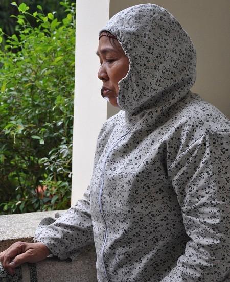 Chồng bỏ đi bặt vô âm tín, nhà cửa đã bán sạch, cô trở nên trắng tay khi bệnh của con trai vẫn còn dai dẳng