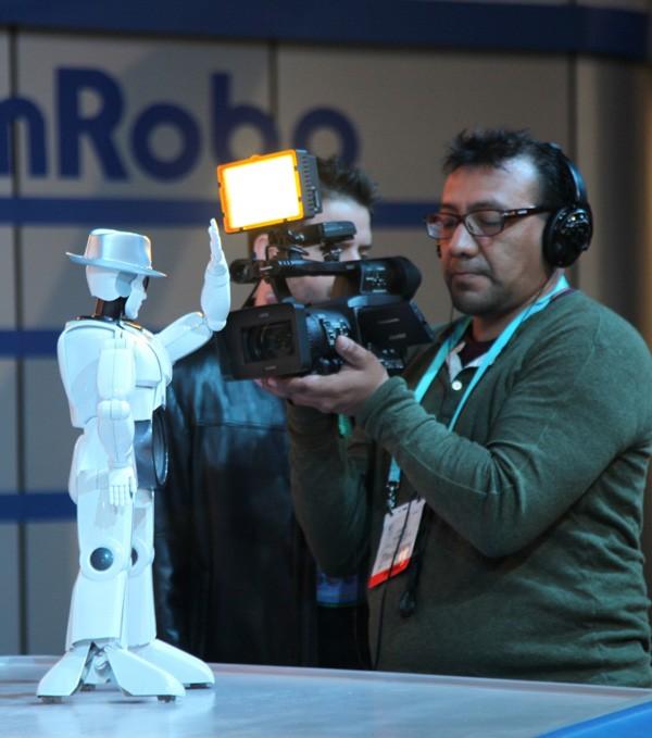 Robot Việt thu hút sự chú ý của truyền hình Mỹ
