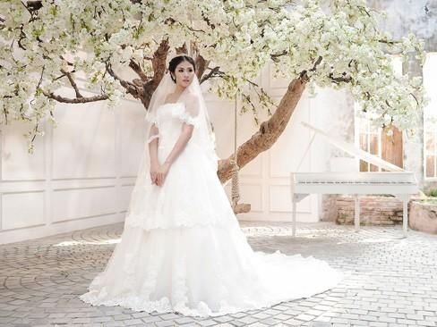 Ngọc Hân kiêu kỳ trong bộ váy cưới tự thiết kế - ảnh 11