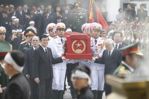 Đại tướng Võ Nguyên Giáp đã yên nghỉ trong lòng đất Mẹ - ảnh 83